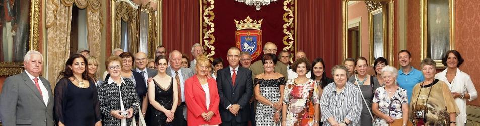 Foto de grupo tras la recepción