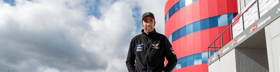 El piloto catalán del Mini Cooper Works, Nani Roma, ayer en el Circuito de Navarra, donde el año pasado se proclamó campeón del rally. Hoy intentará revalidar el triunfo.