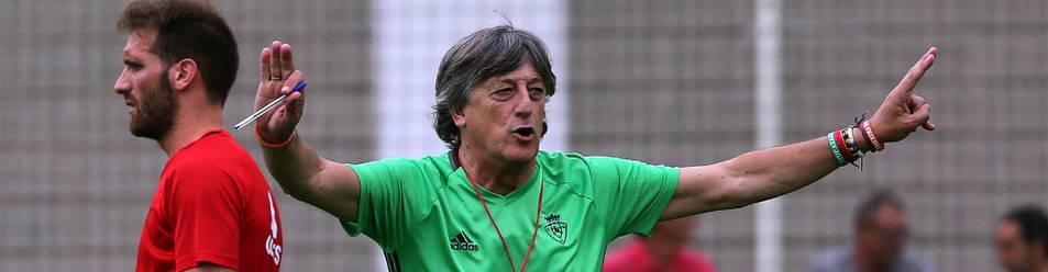 Enrique Martín, en un entrenamiento del equipo.