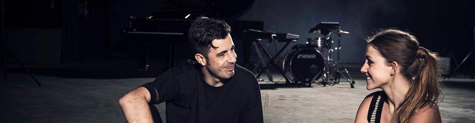 La pianista, junto al productor y músico Eduardo Ostos 'Ed is Dead', con el que actúa esta noche en la Sala Zentral de Pamplona.