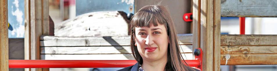 La psicóloga pamplonesa Sandra Monreal Romero, de 29 años, ayer en un parque de Pamplona.