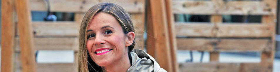 Laura Santolaya, ayer, en Pamplona, poco antes de intervenir en el Salón del Cómic de Navarra.