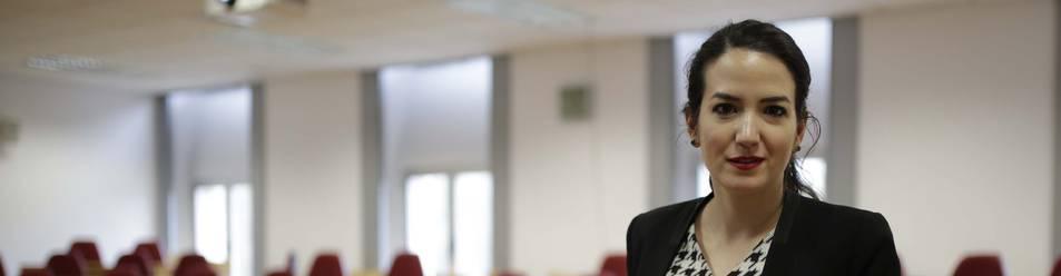 Sara Lumbreras, fotografiada en un aula de la Universidad de Navarra.