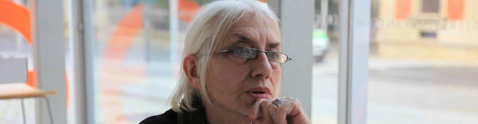 Foto de Mirentxu Loyarte en un fotograma de Irrintziaren oihartzunak, la película de Iratxe Fresneda.