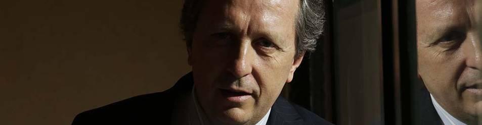 Javier Cremades, en la oficina del bufete Cremades & Calvo Sotelo en Pamplona.