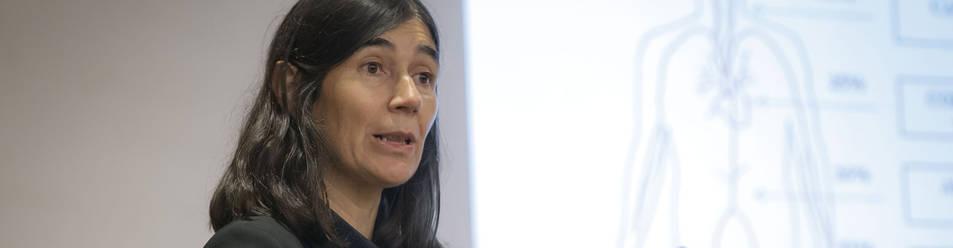 María Blasco, durante la conferencia que ofreció el jueves en el Colegio Mayor Belagua.