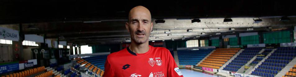 El capitán de Osasuna Magna, Javi Eseverri, disputó el último partido de su carrera deportiva en Jaén el viernes. Despidió así veintitrés campañas en activo.