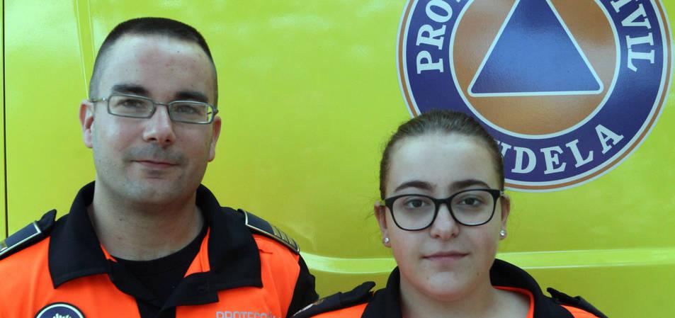 Javier Jalvo y Esther Torrijos, miembros de Protección Civil de Valencia.