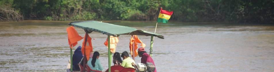 La canoa del instituto agropecuario del Tipnis que ya no puede utilizarse.