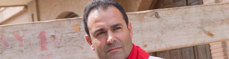 Cecilio Antón, apoyado en el vallado del encierro.
