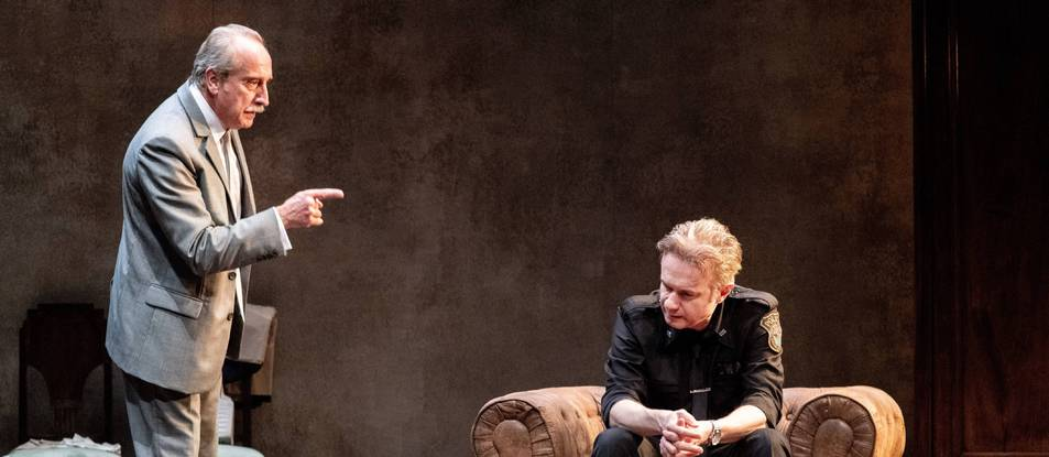 Gonzalo de Castro y Tristán Ulloa (sentado) encarnan a dos hermanos en El precio.