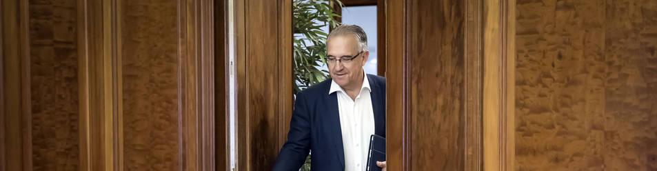 Foto de Enrique Maya, en el despacho de Alcaldía en la segunda planta de la casa Consistorial.