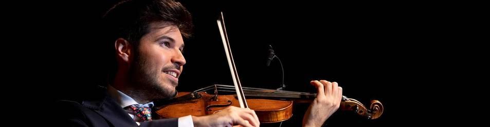 Foto de tras una formación íntegra en el clásico, Paco Montalvo, que el 19 de noviembre cumplirá 27 años, dice que se siente más libre con el violín flamenco que con el clásico.