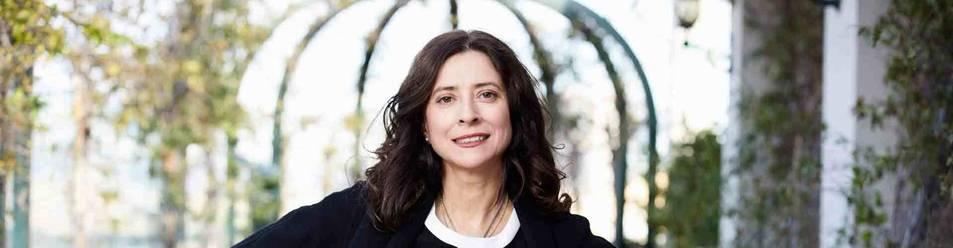 """Ana Merino, autora de poemarios, ensayos y obras de teatro, ganó el Nadal con su primera novela, """"escrita desde la madurez""""."""