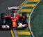 Alonso se cuela entre los Mercedes y lidera la primera práctica