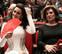 """Los """"nabos feministas"""" de Leticia Dolera y abanicos rojos por la igualdad en los Goya"""