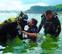 Dos niños protagonizan la última sesión de buceo adaptado en Getaria