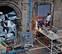 Operarios refuerzan con ladrillos de hormigón el acceso a Rozalejo