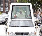 Benedicto XVI, denunciado por no llevar cinturón de seguridad en el papamóvil