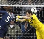 Benzema resucita a un Real Madrid casi moribundo en el primer tiempo (3-2)