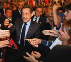 Sarkozy se acerca a Hollande, que sigue a la cabeza