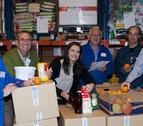 Más de 300 voluntarios se suman a la 'Gran Recogida' de alimentos