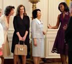 Michelle Obama recibe a las damas del G8 con un gazpacho