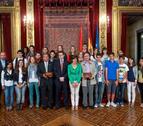 El Palacio foral se abre a los ganadores del Euroscola 2012