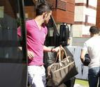 Puyol y Villa arropan a sus compañeros en la concentración