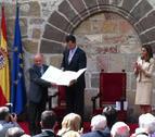 Los príncipes de Asturias entregan el Príncipe de Viana a Antonio López