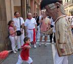 Las fiestas se 'ponen de cuclillas' para festejar el Día de los Niños