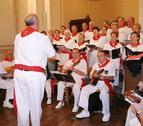 La fiesta mima a los mayores con conciertos, homenajes y misa