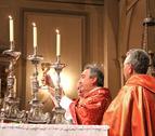 Cientos de personas mayores celebran la misa en su honor