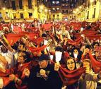 Miles de personas se despiden de San Fermín entonando el 'Pobre de mí'
