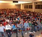Más de 200 adolescentes