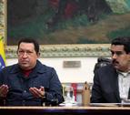Chávez vuelve a Cuba a operarse y nombra sucesor a Maduro