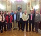 Homenajeados ocho jubilados en el Ayuntamiento de Tudela