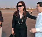 La presidenta de Argentina visita a Hugo Chávez en Cuba