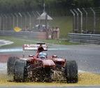 Vettel triunfa en Malasia y Alonso abandona en la segunda vuelta