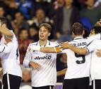 Jonás rescata los tres puntos para el Valencia en el descuento (2-1)