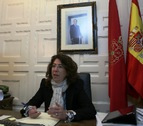 La delegada del Gobierno en Navarra ve el comunicado de ETA