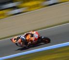 Pedrosa gana en Jerez y Márquez se toca con Lorenzo