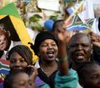 La salud de Mandela, que cumple hoy 95 años, mejora a