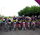 Fustiñana reúne a 200 ciclistas en su marcha por la Bardena Negra