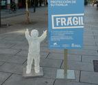 Niños de cristal para captar familias de acogida en Pamplona
