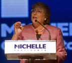 Bachelet arrasa pero no evita una segunda vuelta electoral con Matthei