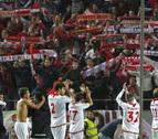 El Sevilla se da un homenaje en el derbi y deja más colista al Betis