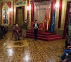 Barcina recibe a las primera visitas guiadas al Palacio de Navarra