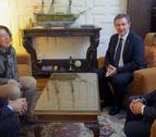 Encuentro de Alba con el nuevo director del aeropuerto de Noáin