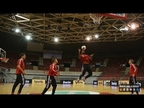 Javi Martínez demuestra su habilidad baloncestística